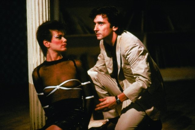 Still of Linda Fiorentino and Griffin Dunne in After Hours
