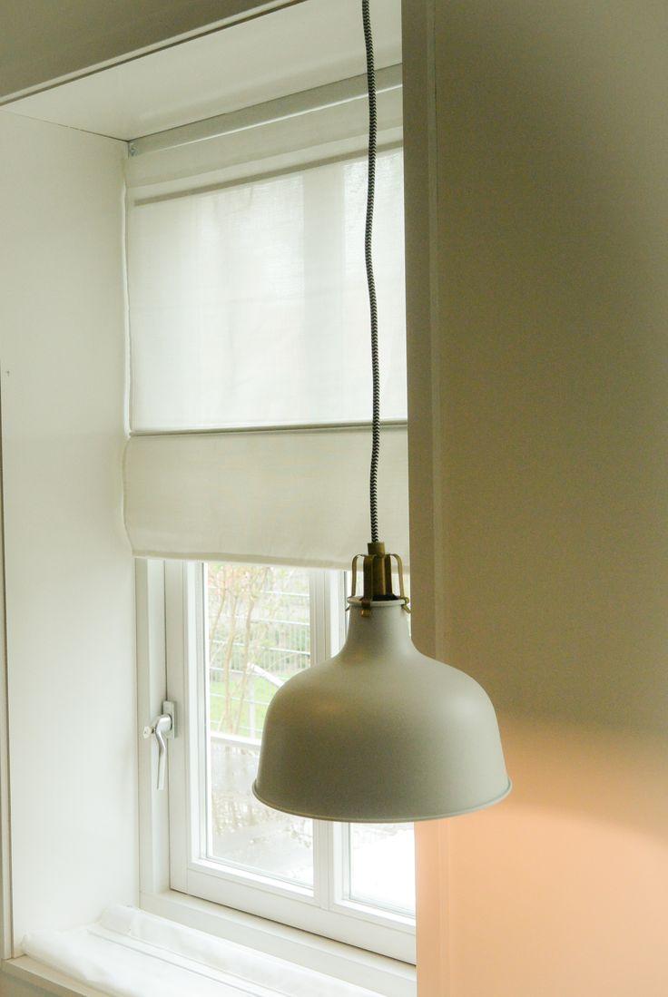 Appartement 1. Lamp en gordijnen (Ikea)