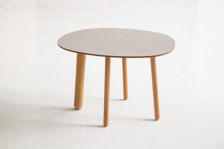 Morris coffee table model 2 in glossy beige ardenne