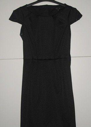 Kupuj mé předměty na #vinted http://www.vinted.cz/damske-obleceni/kratke-saty/13413077-male-cerne-pouzdrove-saty-3436-black-dress
