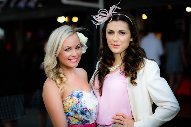 Pastels & Florals are always on trend for summer racing!