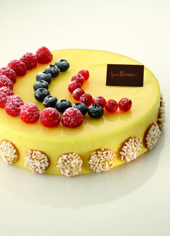 Bavarese vaniglia e frutta by Iginio Massari...