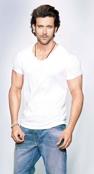 Hritik♥♥  Blue denims... topped with white T shirt♥★