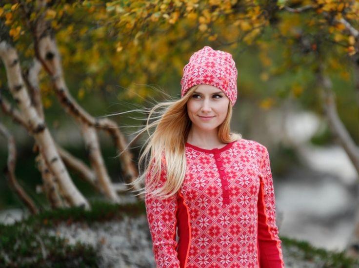 Hold deg varm med ulla fra Kari Traa! Rose LS - Ruby