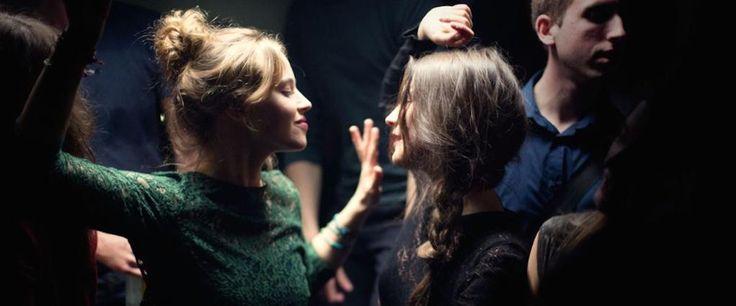 ".@sheilakathleen calls Mélanie Laurent's BREATHE a ""confident and scary film"" http://www.rogerebert.com/reviews/breathe-2015…"