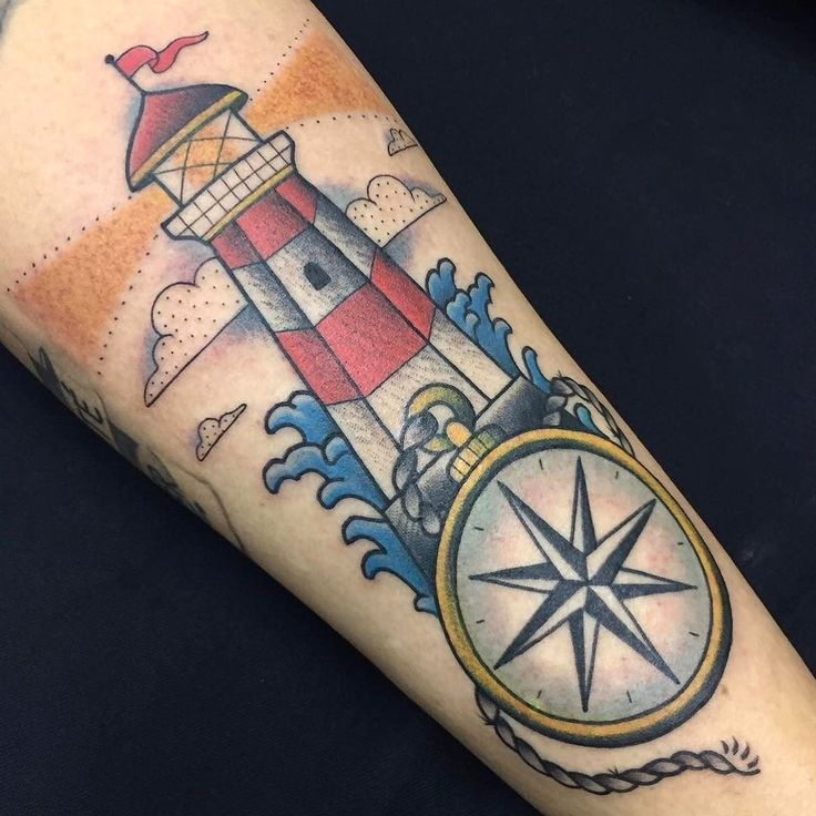 Tatuagem de farol feita por Ana Mendes no estilo old school. #tatuagem #tattoo #tradicional #oldschool #farol #mar #lighthouse