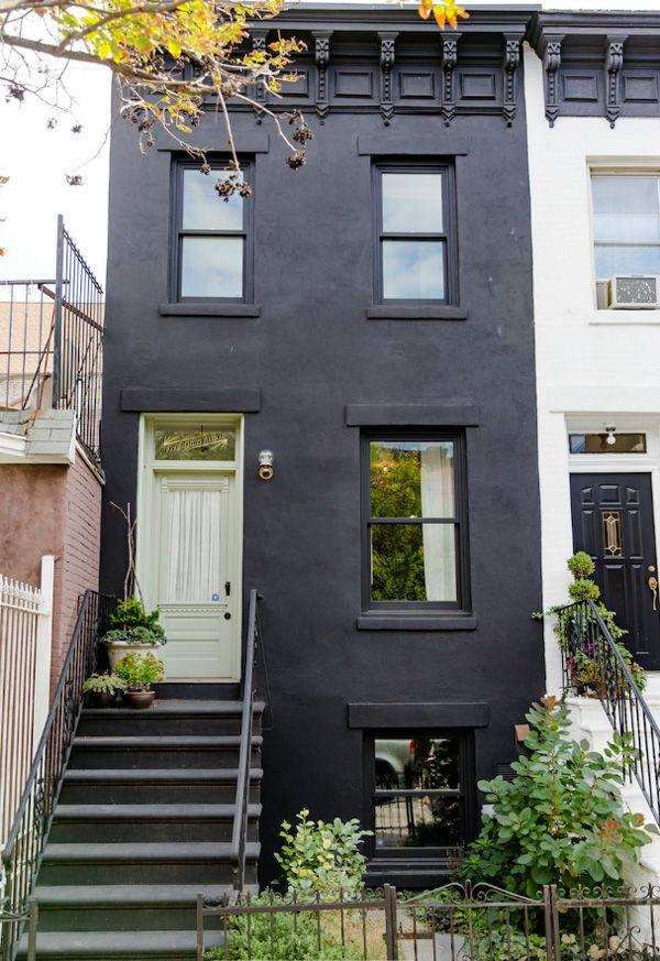 161 best black houses images on pinterest black house for Modern townhouse exterior