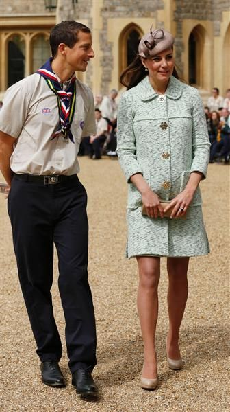 Duchess Kate shows off growing baby bump in chic coat at scouting event | Gallery | Wonderwall