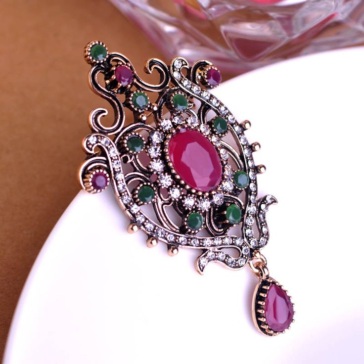 high fashion jewelry vintage costume jewelry     https://www.lacekingdom.com/
