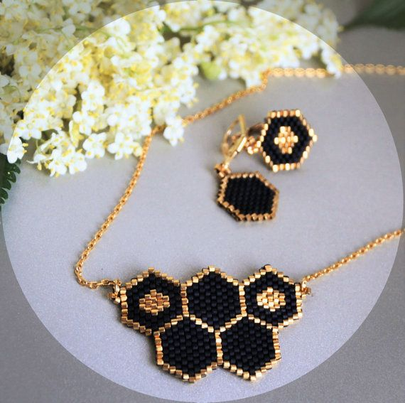 Honeycomb jewelry Set - Necklace and earrings, black and gold colors. Minimalist style, a piece of summer and honey!  Quality Japanese seed beads