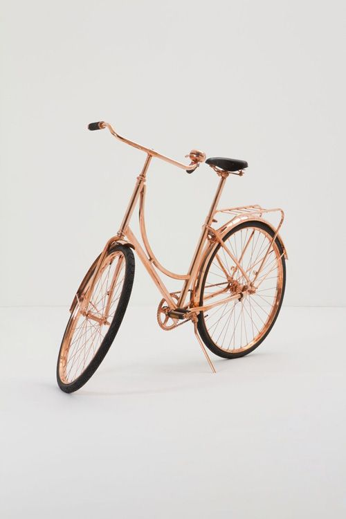 What?!? A rose gold bike... I'm kinda obsessed with rose gold.