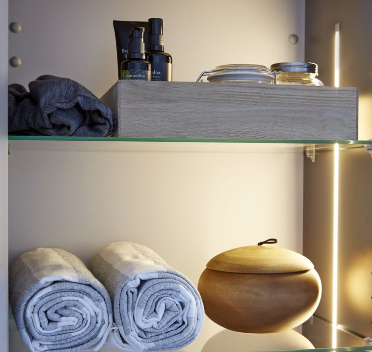 A light inside the 50 cm tall unit will give you pleasant illumination and a good perspective.