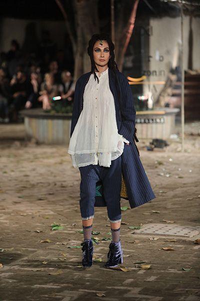 Pero by Aneeth Arora - Amazon India Fashion Week's Autumn Winter 17 edition - Look 18Source: Amazon India Fashion Week Website