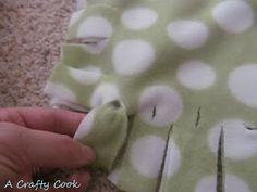 Love the Fleece No Sew, Without the Lumpy Knots: Blanket and Pillow Cover Directions