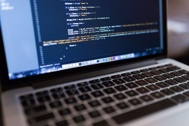 Vrei să devii programator? Vezi ce limbaj de programare ar trebui să înveţi prima dată