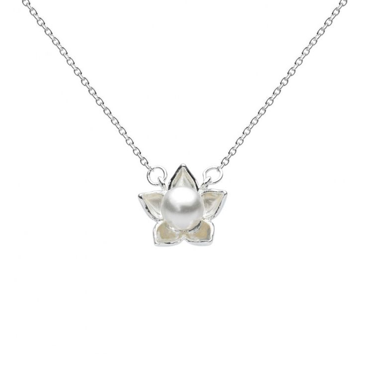 Bloom Pearl Necklace