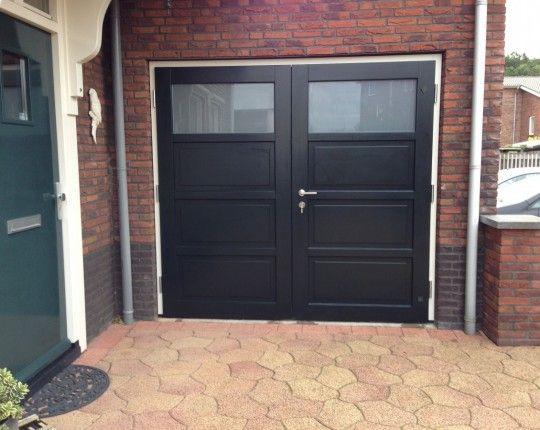 Van Straaten houten garagedeuren model Amsterdam - Houten garagedeuren - Van Straaten® Houten Deuren