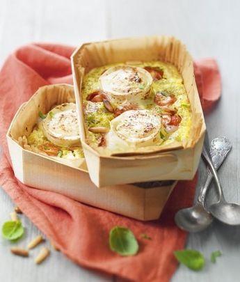 """750g vous propose la recette """"Petits clafoutis aux tomates cerise, pesto et bûche de chèvre Chavroux®"""" publiée par Chavroux."""