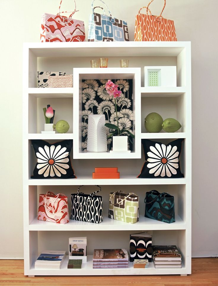 best 25 retail shelving ideas on pinterest retail. Black Bedroom Furniture Sets. Home Design Ideas
