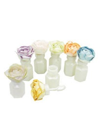Celebrate with these fun bubbles! Blowing bubbles creates a very romantic and fun atmosphere, both for indoor and outdoor receptions. Great in wedding pictures too! Decorate bubble bottles however you choose. Features and Facts:  Box contains 24 bottles. Approx. Measurements: 1.25 x 2.75.  Minor assembly required.