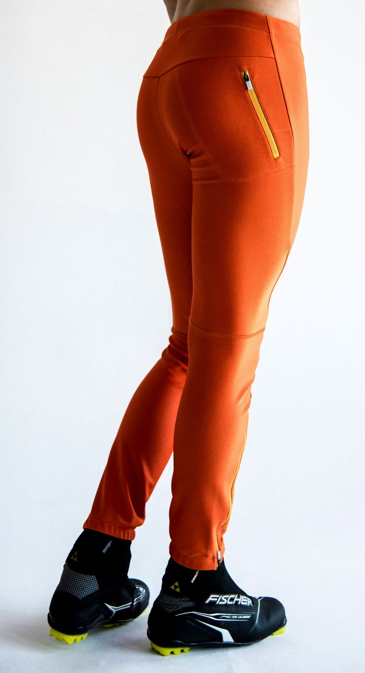 SWEARE XC 360 Pant in the color Orange break. It doesn't matter if you go classic- or skate skiing, the pant allows for movement in all directions and won't rip or hinder you and it has excellent breathability and very good water repellency. This pant are perfect for autumn and winter running and of course for XC skiing. Products are responsibly made in Estonia. #älskasnö #vasaloppet #älskaåre #längdskidåkning #running #trailrunning #vinter