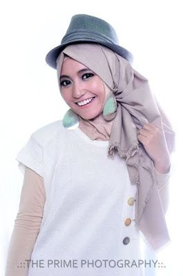 1000 Images About Hijab Terbaru Fashion Dan Aksesoris On Pinterest Models Michal Negrin And