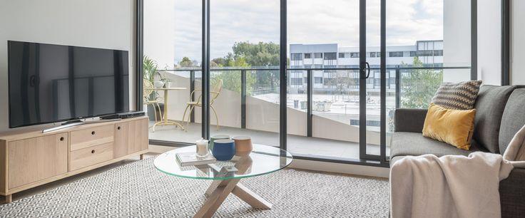 Caroline Serviced Apartments Sandringham - One bedroom loungeroom tv