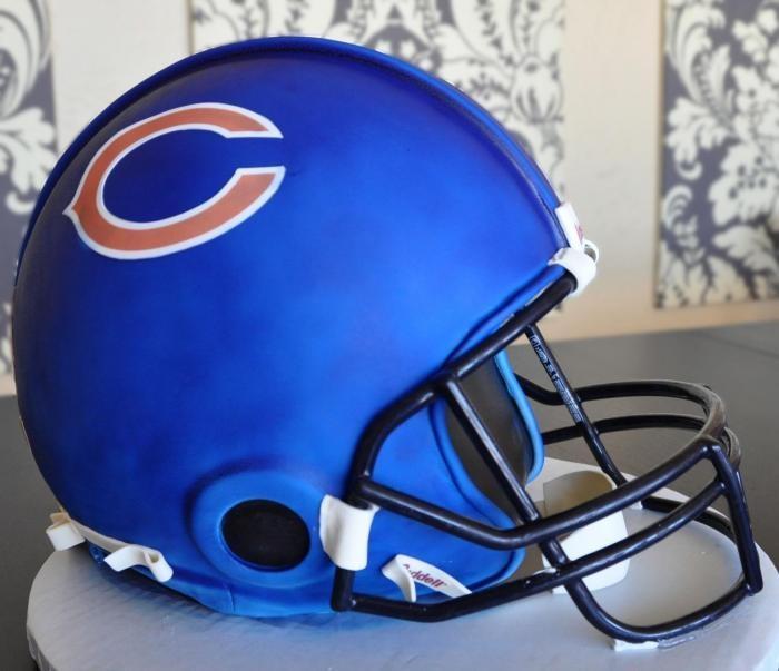 football helmet cake - very well executed