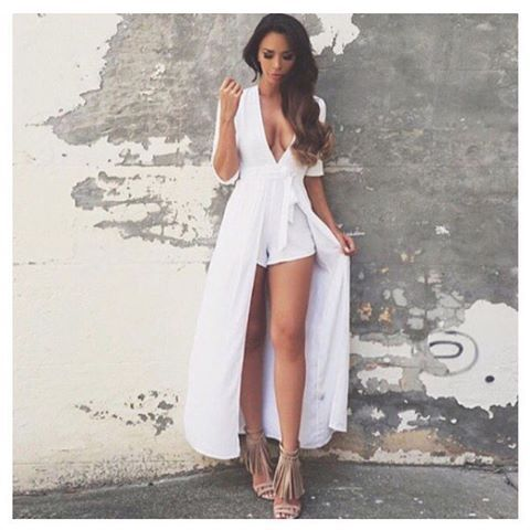 XANADU Playsuit, $99 as seen on babe @shiraleecoleman | Also available in Mocha. ✖️ WWW.THEFOXANDI.COM.AU