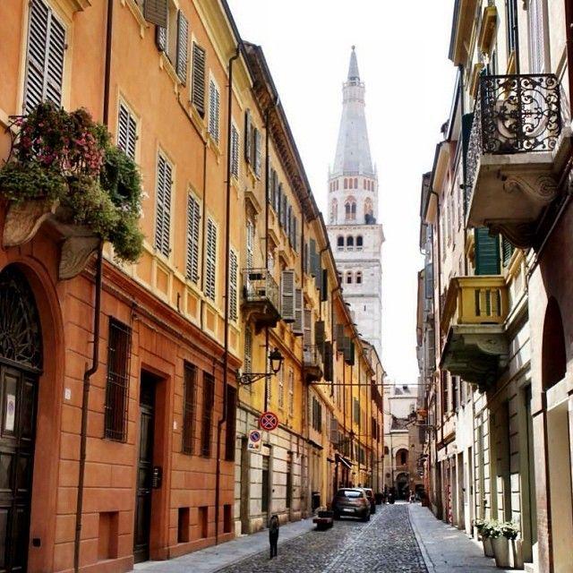 Modena, a cidade da Ferrari, do Pavarotti e do vinagre balsâmico! - Instagram by @brunabartolamei