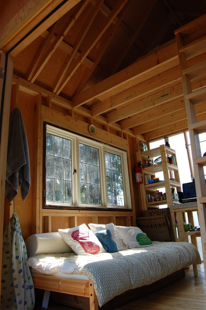 tiny interiors | ... July 26, 2012 at 700 × 1052 in Weekend Fun: Tiny rustic cabin