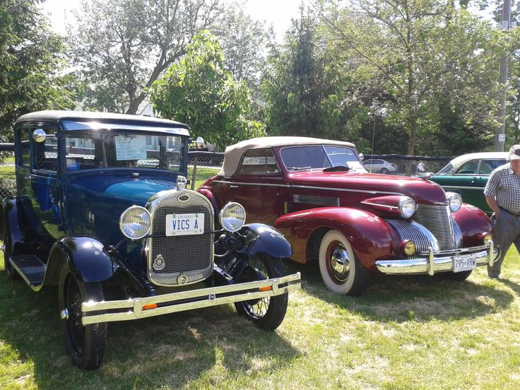 ~1000 Islands Lions Club Drive In~ The Lions Club Drive In is an annual car show that brings 26 classes of North America's finest automobiles and motorcycles to Gananoque in the 1000 Islands. Participants' vehicles will be staged in the beautiful Town Park  where spectators are able to view the cars, and trophies and door prizes will be handed out to winning participants. This event occurs rain or shine. Event Details June 14-15, 2014 Gananoque Town Park