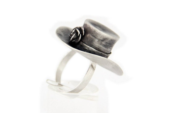 A more refined version of a Mad Hatter inspired concept for a ring