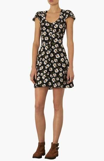 Cute dress women fashion style