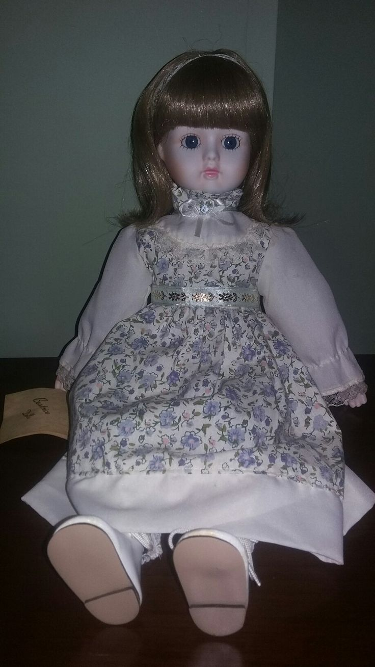 Porcelain bisque doll (beatrice dolls)