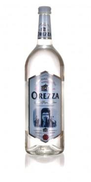 OREZZA, eau minérale naturelle gazeuse est exploitée depuis 1856, la source ayant été déclarée d'intéret public en 1866. Et c'est vrai qu'on a là une eau hors du commun ! Naturellement gazeuse, cette eau est captée dans une des plus belles régions de Corse, la Castagniccia en haute Corse, dans le petit village de Rapaggio. Peu minéralisée, bicarbonatée calcique, elle facilite la digestion, faiblement sodique, consommée fraîche, elle est très désaltérante.