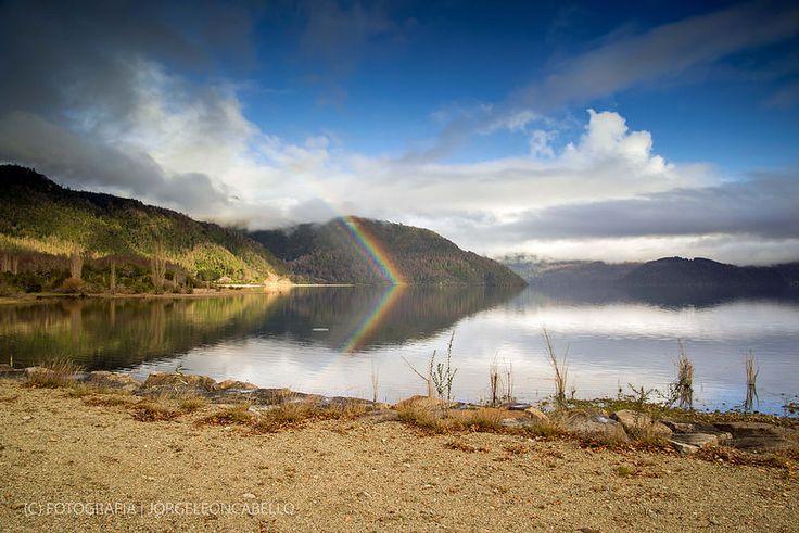 Arcoiris en el lago - Lago Panguipulli (Chile)