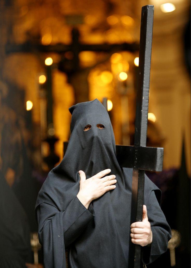 #SemanaSanta #Sevilla Nazareno de la Hermandad de la Vera CruZ