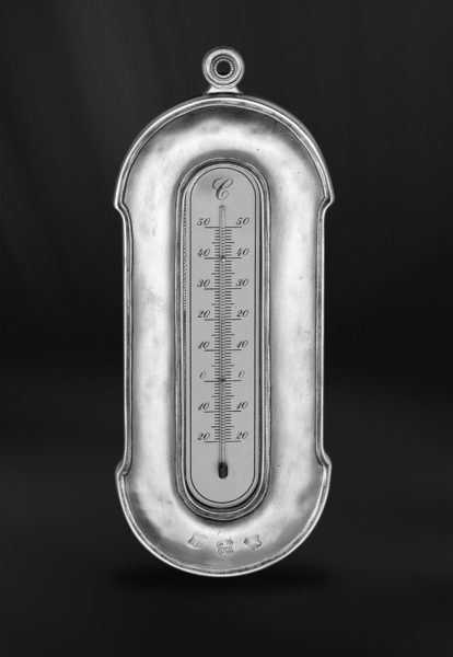 Pewter Thermometer - Height: 27 cm (10,6″) - #pewter #wall #thermometer #peltro #termometro #parete #zinn #wand #thermometer #étain #etain #thermomètre #mural #peltre #tinn #олово #оловянный #gifts #giftware #home #housewares #homewares #decor #design #bottega #peltro #GT #italian #handmade #made #italy #artisans #craftsmanship #craftsman #primitive #vintage #antique