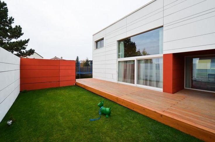 d3D - Nízkoenergetický rodinný dům ze systému d3D - vnitřní zahrada - foto © Pavel Rydlo