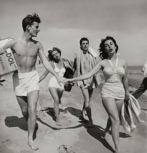 Roddy McDowall and Elizabeth Taylor with Jane Powell and Scotty Beckett