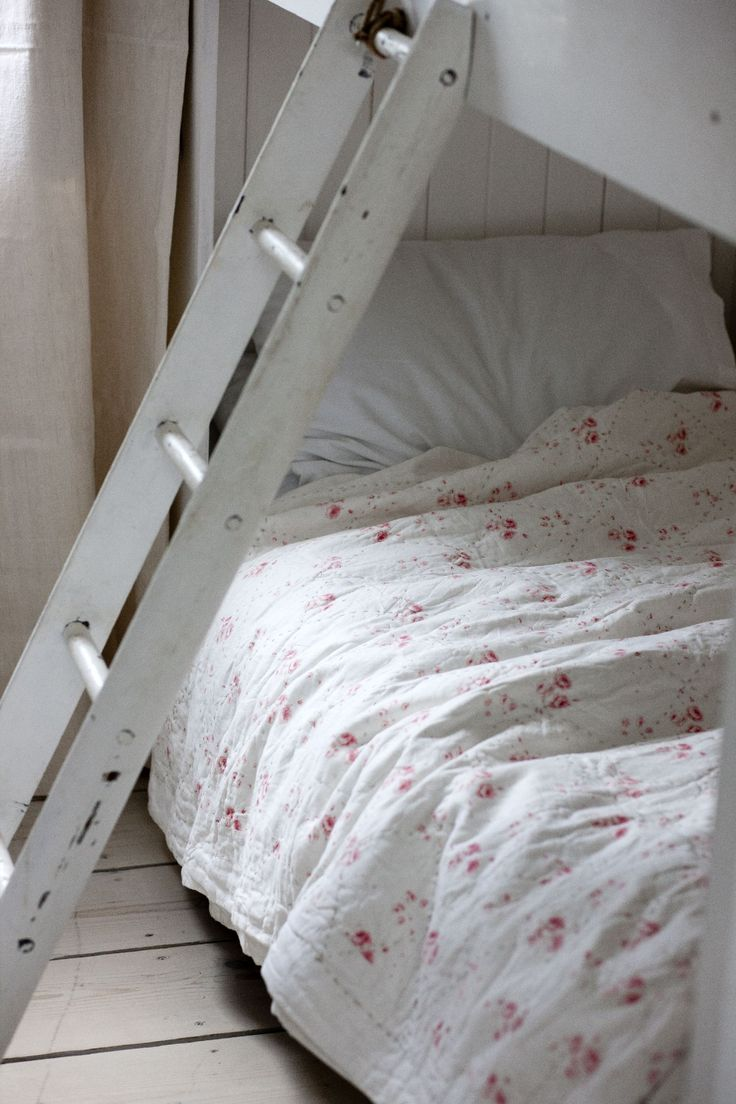Master bedroom holly springs ga shabby chic style bedroom - Quilt Cover Made From Cabbages Roses Fabric