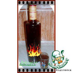 Имбирный ликер Имбирь(корень, примерно) — 50 г Водка— 0.5 л Сахар— 200 г Ванильный сахар— 1 пач. Орехи грецкие— 5-6 шт