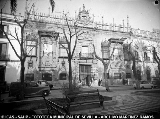 ICAS-SAHP Plaza del Duque y Palacio de Sánchez Dalp. c.1950  #sevillayer Colección Martínez Ramos