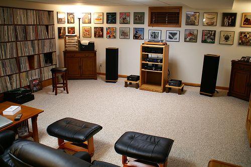 Listening Room by R0SC0, via Flickr. Very jealous ...