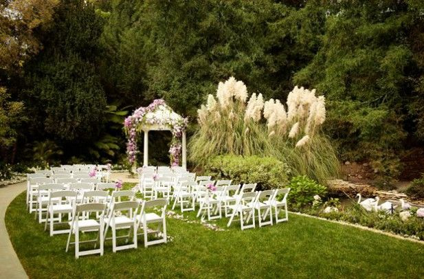 You should really consider the benefits of luxury hotel weddings when planning for your own wedding day. Get all the reasons why from the expert.