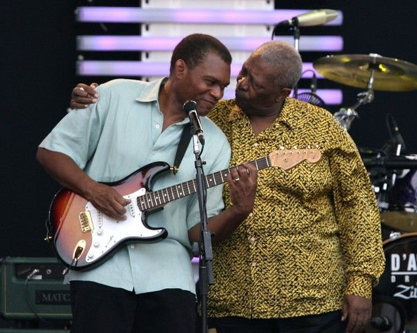 B.B.King in Eric Clapton's Crossroads Guitar Festival with Robert Cray (with his strat)