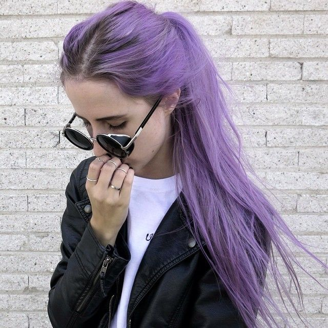 Awesome pastel purple hair. Want to do sometime in the future!❤️
