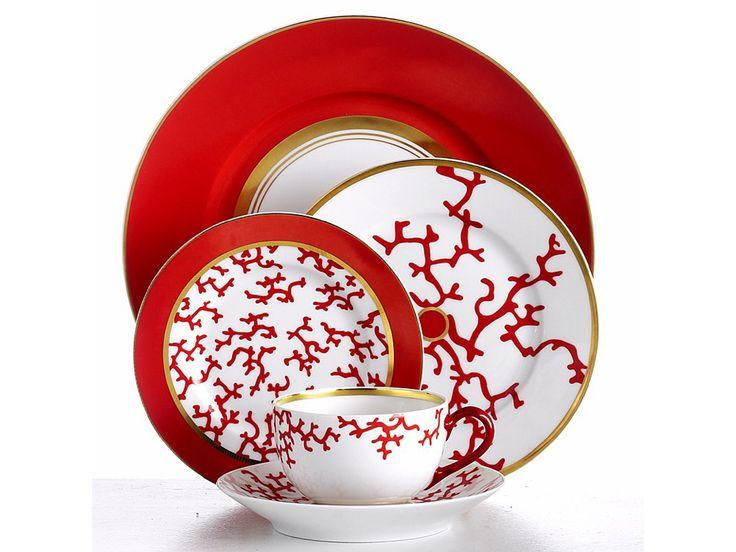Raynaud. Le porcellane di Limoges. La collezione Cristobal Marine. Design Alberto Pinto.