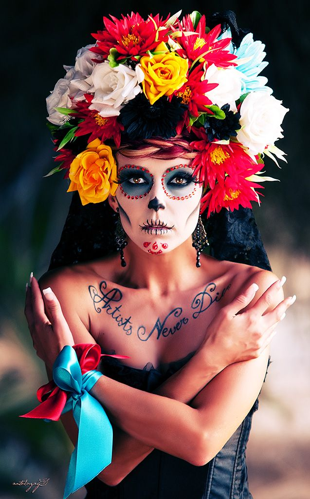 Day of the Dead in Mexico; a day to celebrate & remember loved ones who have died. Nice to have ONE day for them...